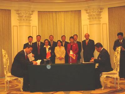 美国利世集团总裁李中子博士代表中菲商业协会筹备组