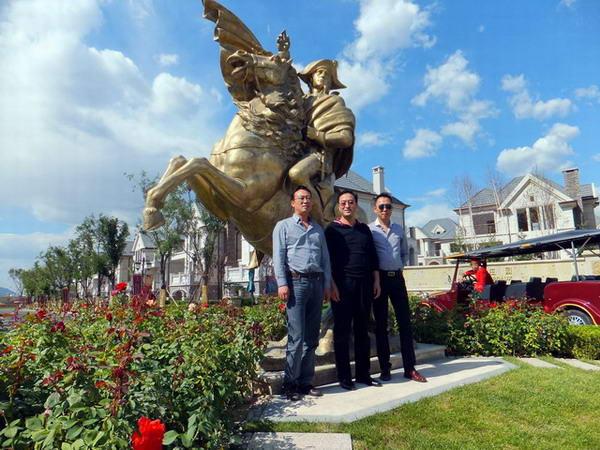 总裁李中子博士亲自陪同vip客户品鉴拉斐水岸