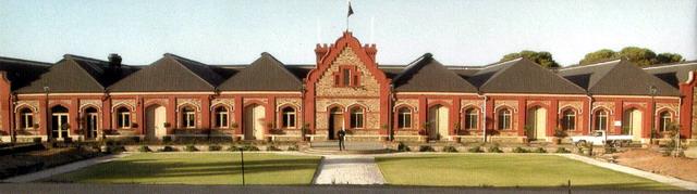 总裁李中子博士参观访问澳大利亚巴罗萨谷酒庄